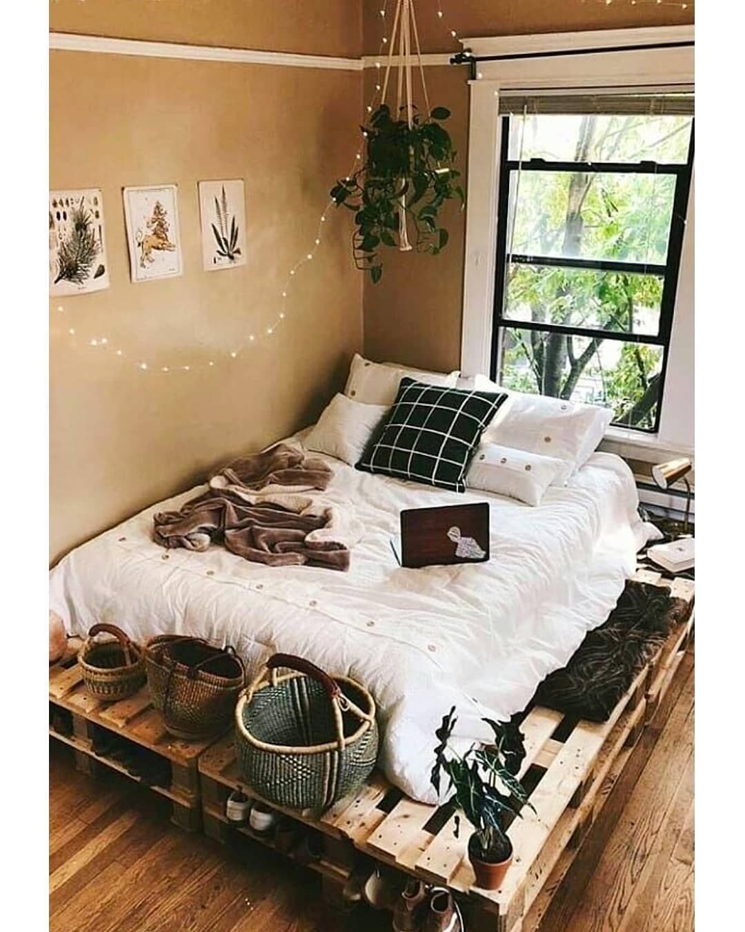 claire colbear homedecoronabudget aesthetic rooms cozy bedroom decor earthy also fantastic college ideas and remodel rh pinterest