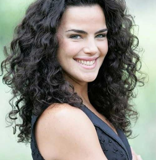 Medium Length Curly Hairstyles Pincharity Gordon On Hairstyles  Pinterest  Layered Curly