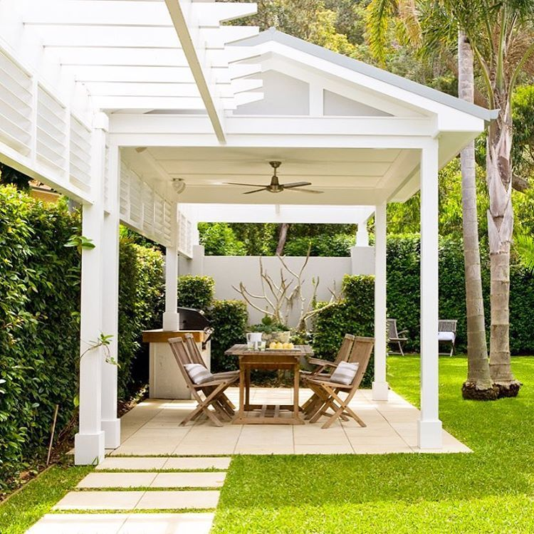 Relaxed outdoor living garden pavilion. Palm Beach house ... on Relaxed Outdoor Living id=29367