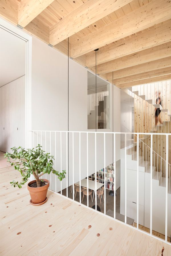 16 Row House Interior Design Ideas: La Shed Architecture, Maison, Deco Escalier