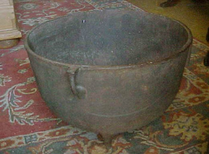 Antique Large 3 Leg Cast Iron Cauldronscalding Pot No 10
