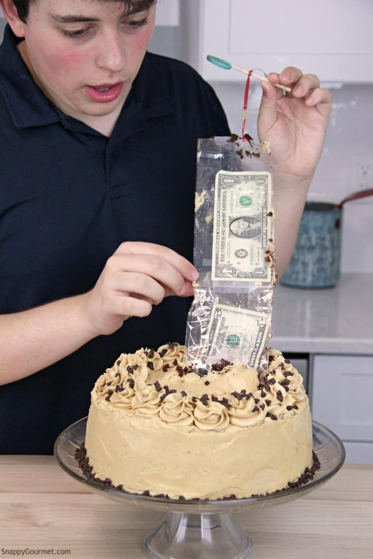 How To Hide Money In A Cake