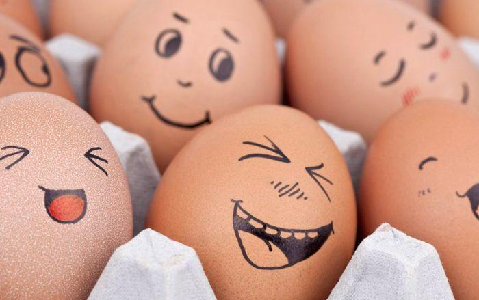 gülen yumurta