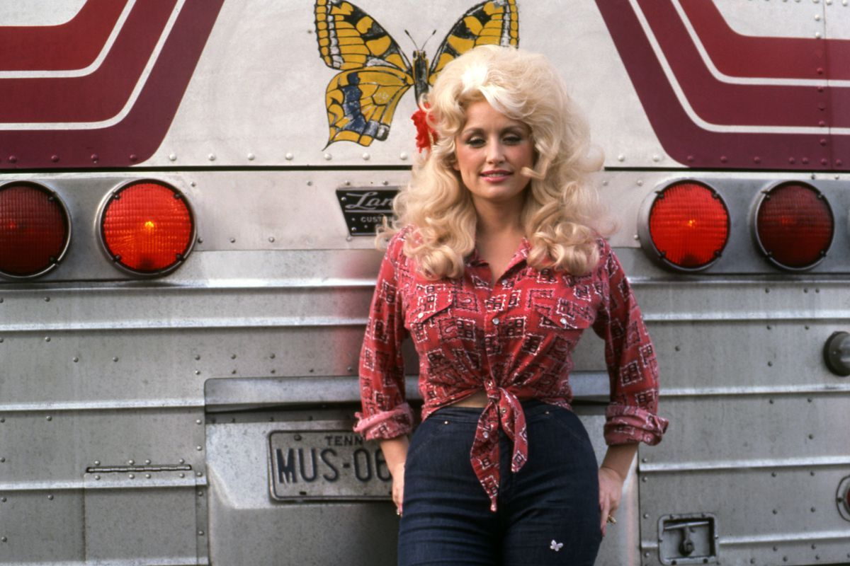 Seven Badass Feminist Halloween Costumes Feminism Country SingersCountry MusicClassic