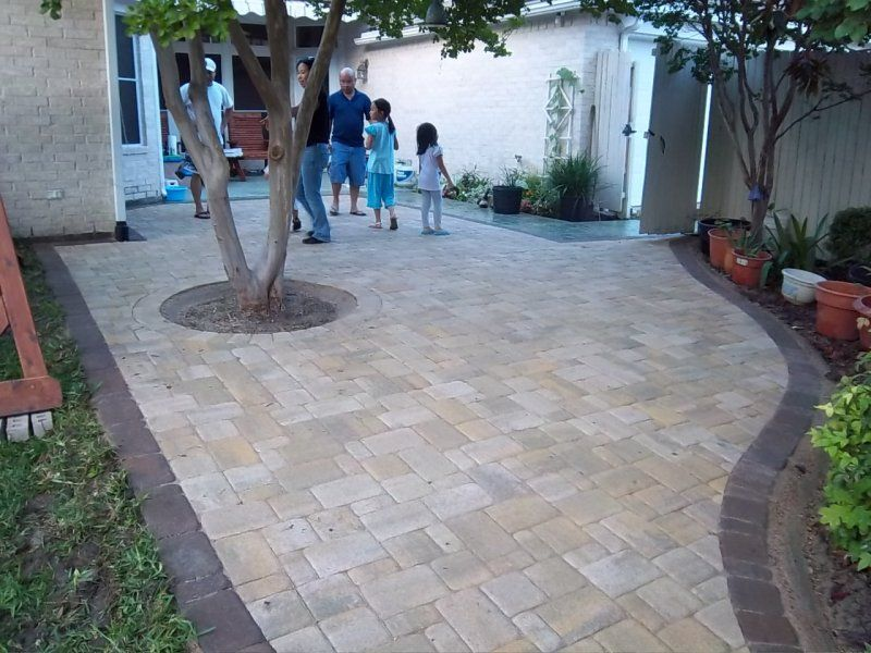 Pavers Patio After.JPG (800×600)