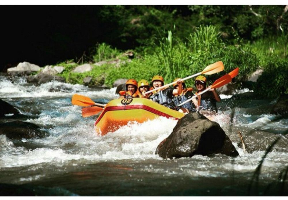 Bali Rafting Adventure With Clean White Water At Ayung River Ubud Rafting Ubud White Water Rafting