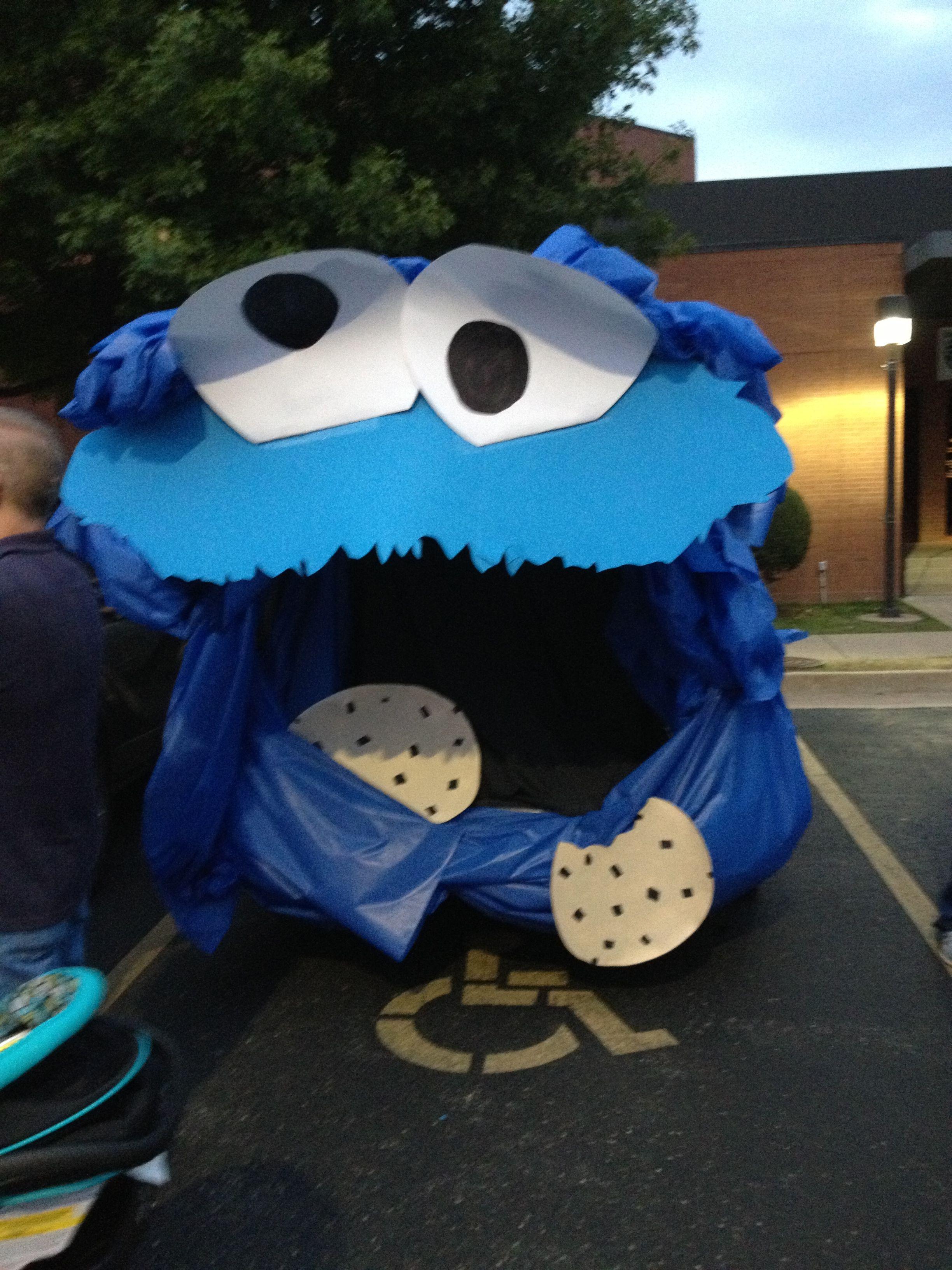 Monster Halloween Cookies: Cookie Monster - Trunk Or TREAT