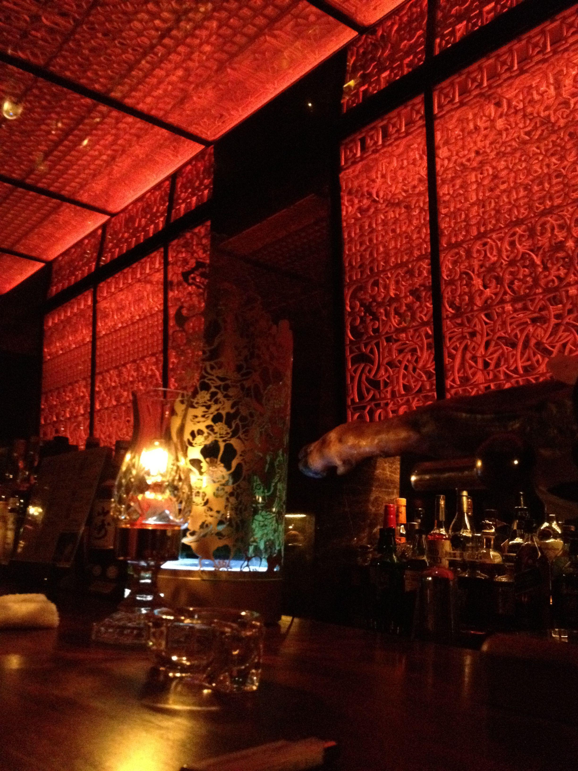 bar r 大阪市心斎橋 南に夜の繁華街のほぼ中心部に有ります 会員