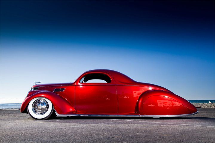 This 1937 Lincoln Zephyr Brings New Meaning To The Term Sleek