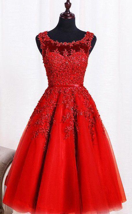robe de soirée rouge courte encolure illusion avec broderies