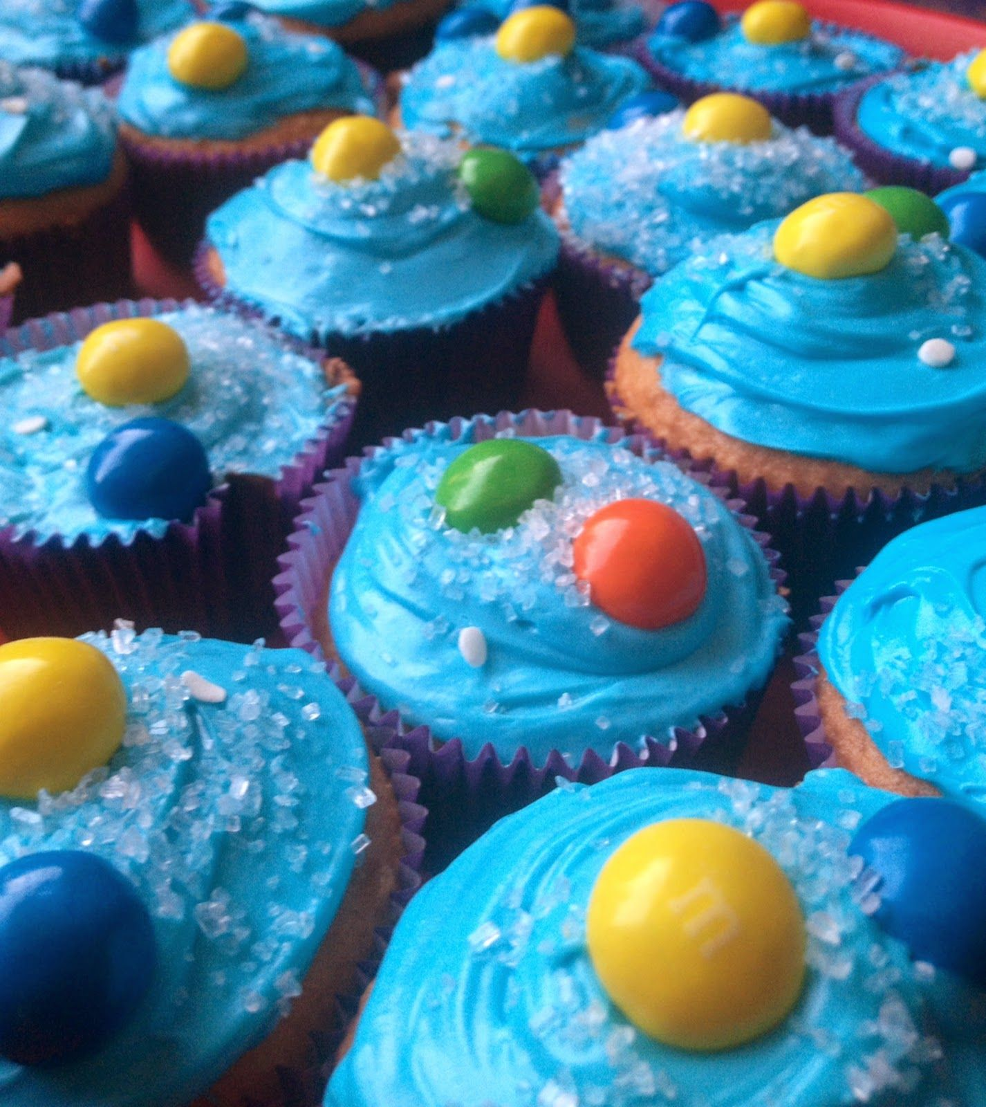 Solar System Cupcakes for a Planet Pluto Book Report Mrs ...