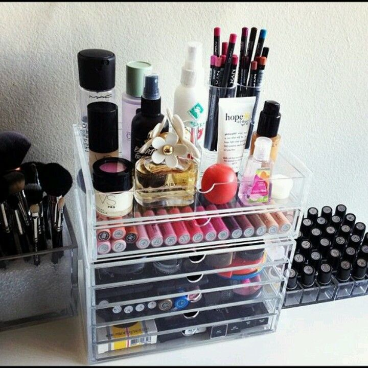 How to keep your purse organized and clutter free
