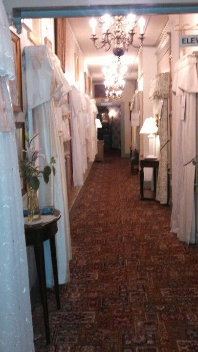 Went It Was A Curtain Shop In The Downstairs Hall At The Red Lion Inn Pretty Red Lion Inn Stockbridge Curtain Shop