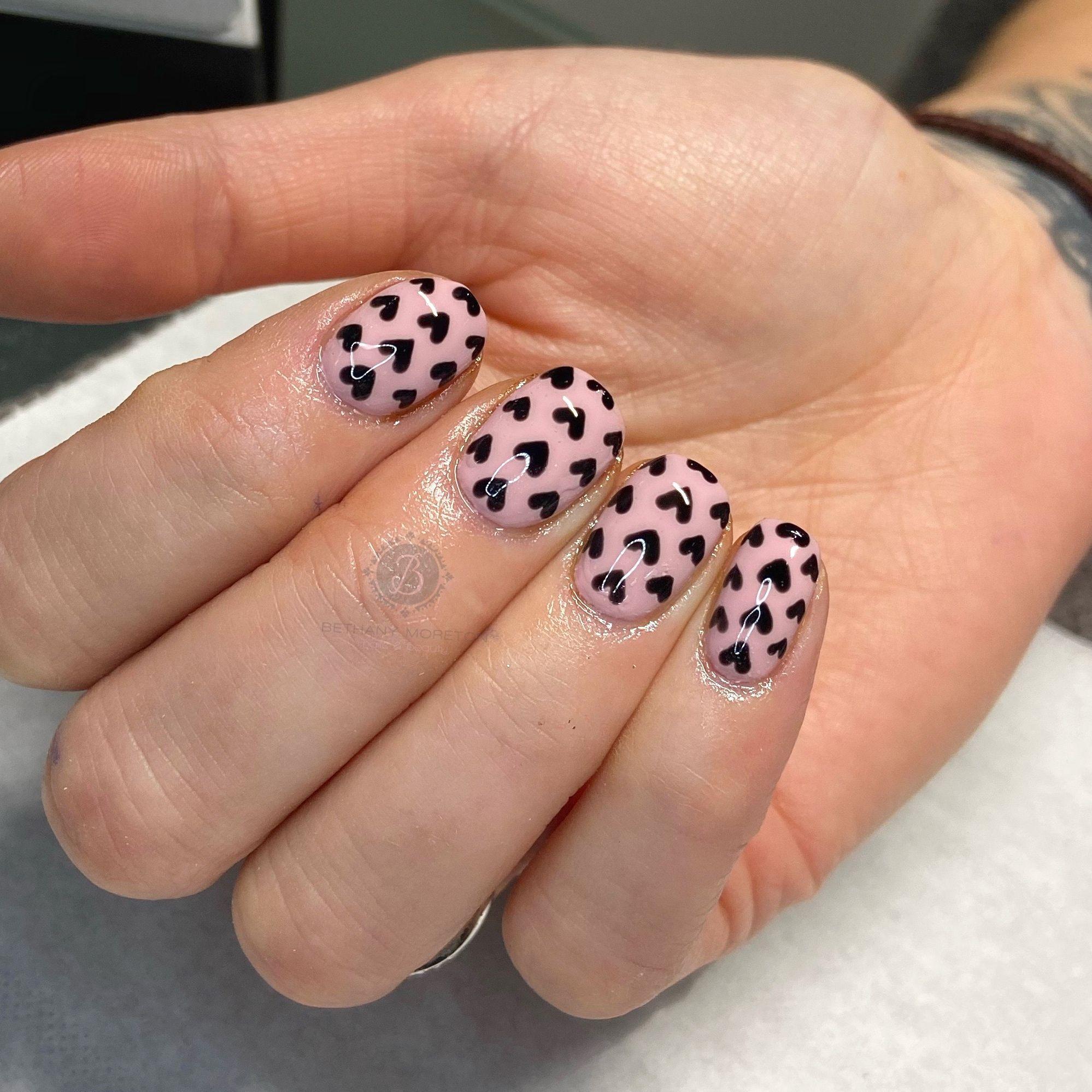 Freehand black heart valentines nails.    #nails #thegelbottle #biab #nailtech #nailsbybeff #Staffordshire #biddulph #cheshire #nailart #love #fashion #nailtechnician #scratchmagazine  #nailaddict #nailpro #showscratch #polish #nailfie #nailartist