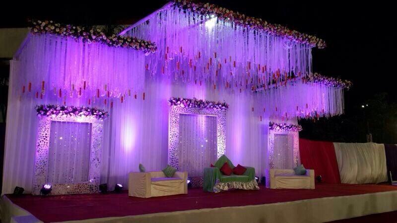 Portfolio Anup Decorator Wedding Decorators In Mumbai Shaadisaga Wedding Stage Design Wedding Stage Decorations Stage Decorations