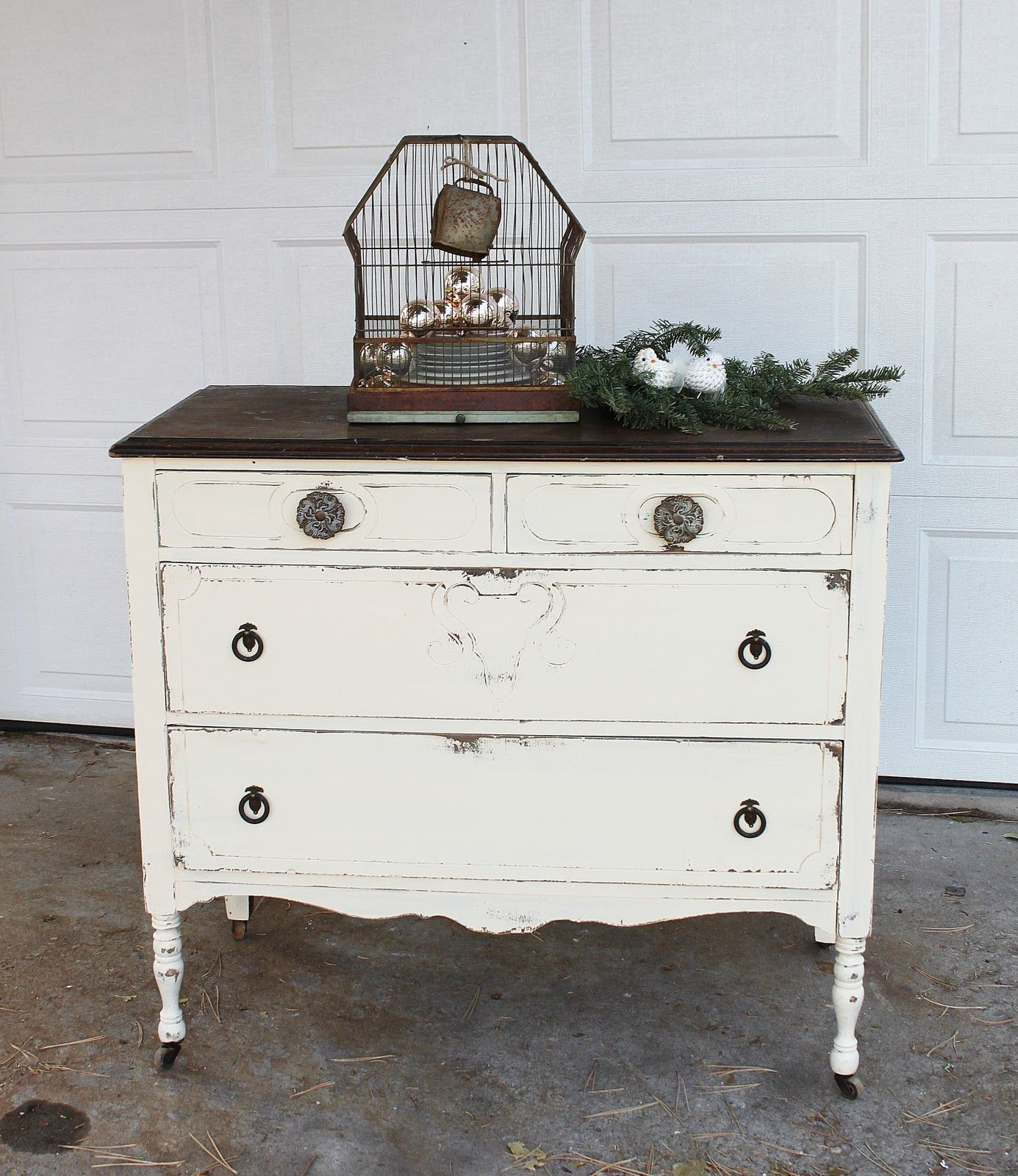 Beautiful distressed vintage white dresser. - Beautiful Distressed Vintage White Dresser. Inspiring Painted