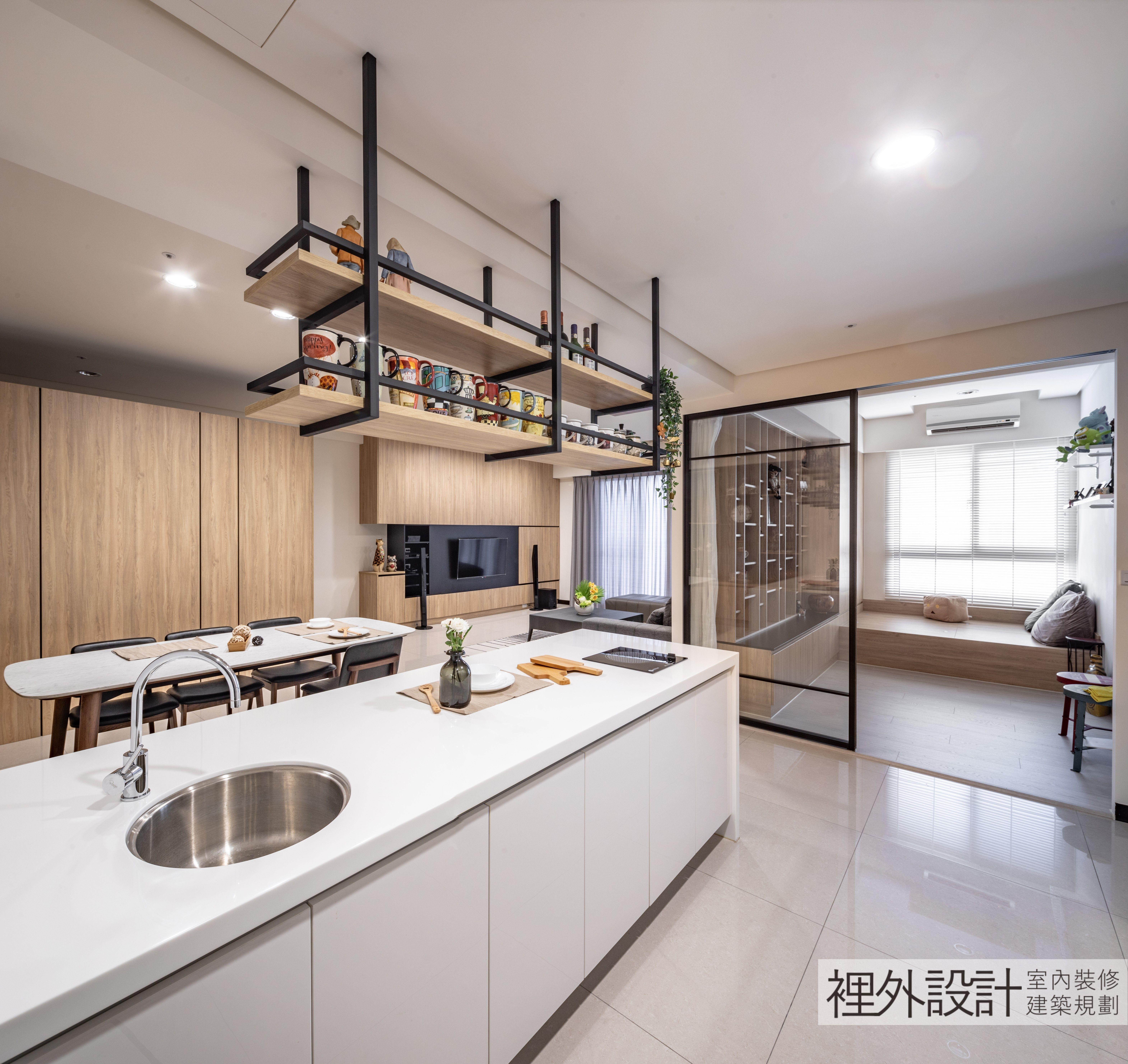 廚房吧檯,中島水槽,廚房吊架,玻璃拉門