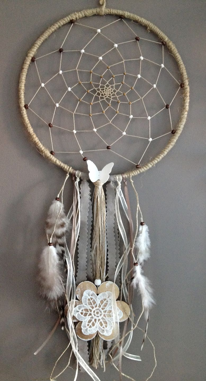 attrape r ves marron et blanc avec fleur en bois d corations murales par cap creativ attrape. Black Bedroom Furniture Sets. Home Design Ideas