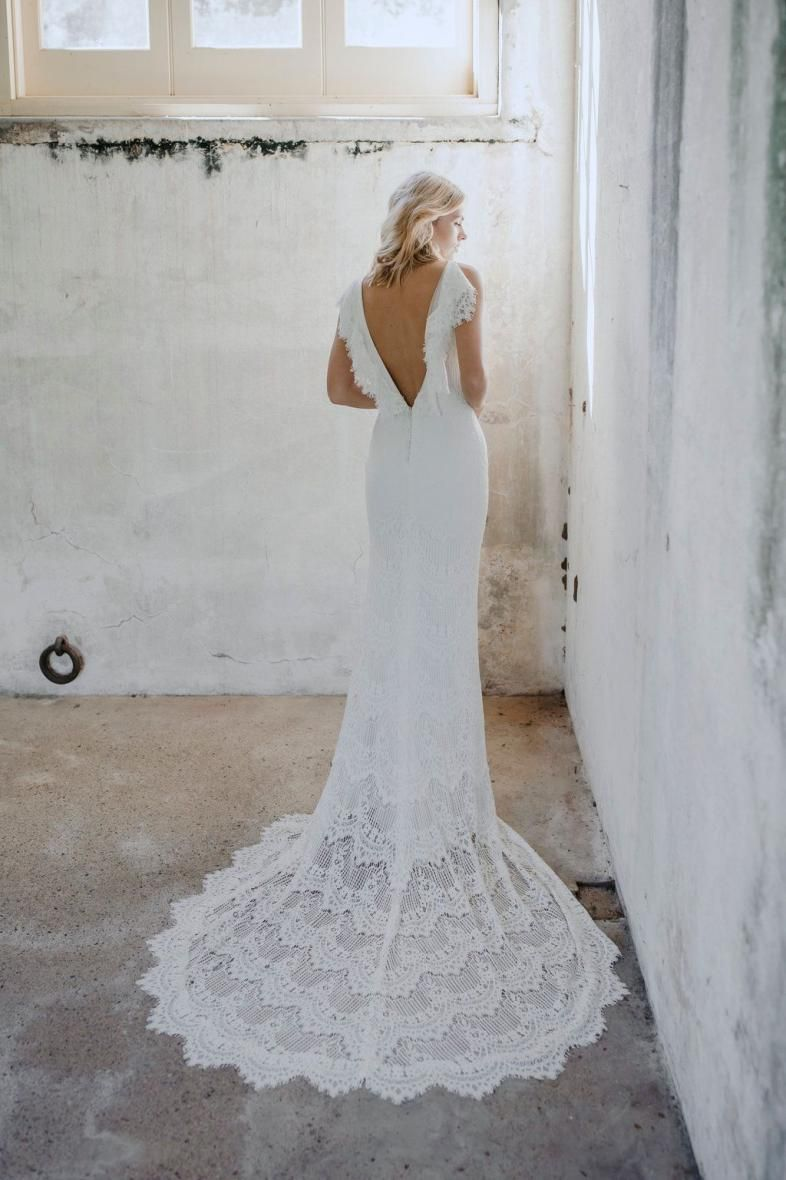 Sample Sale Gown In 2020 Wedding Dresses Nz Long Beach Wedding Dresses Ball Gowns Wedding