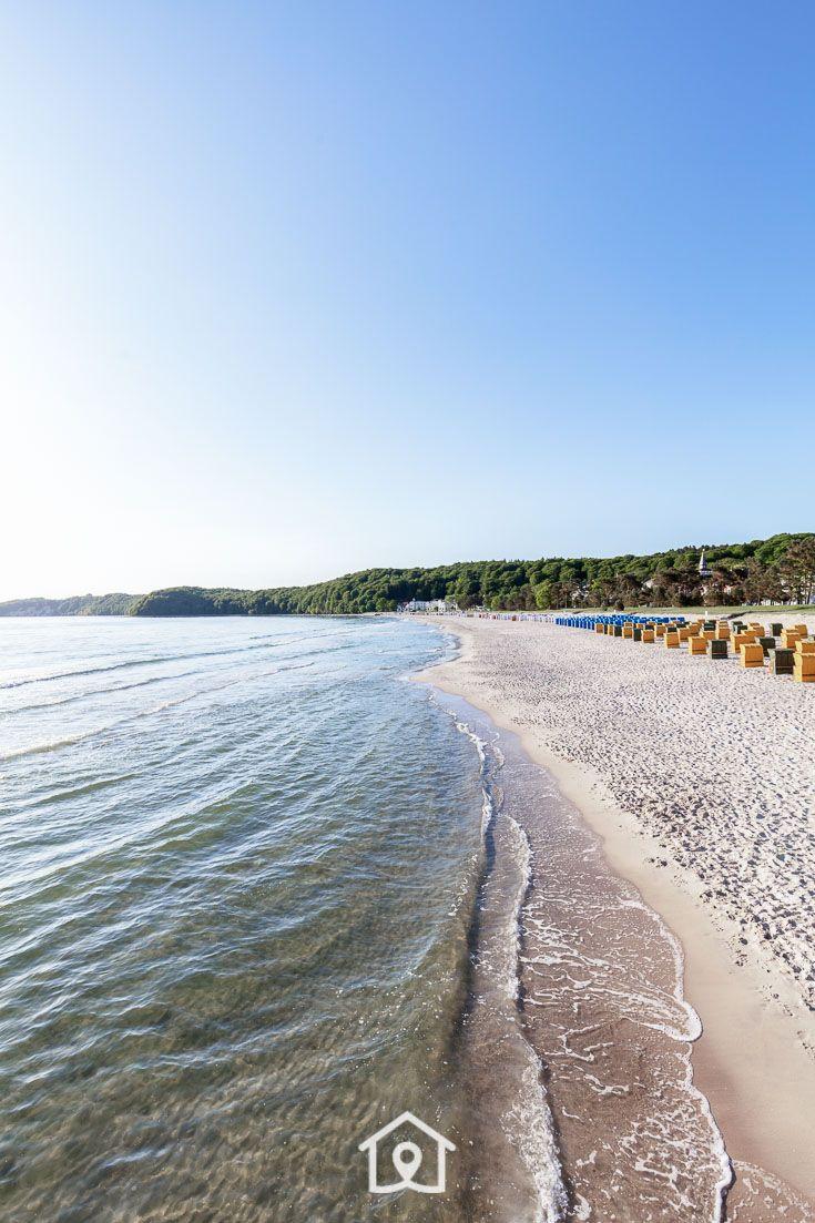 Strand An Der Ostsee In Binz Auf Der Insel Rügen.