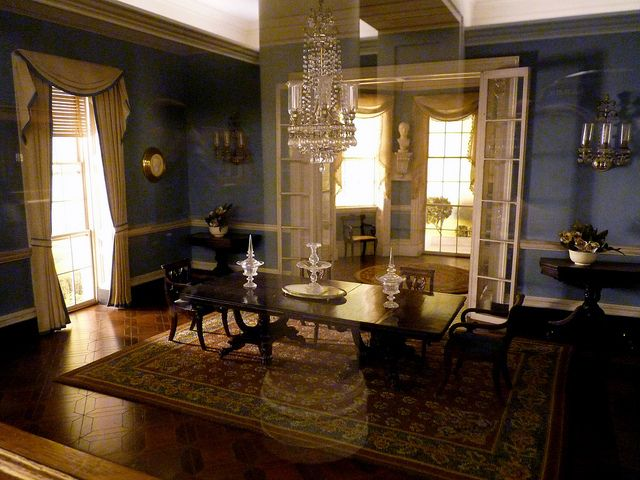 The Thorne Rooms - Miniature Colonial dining room