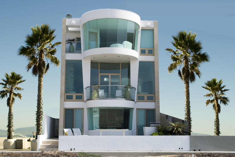 39 Beach House Designs From Around The World Photos Modern Beach House Modern House Exterior Beach House Design