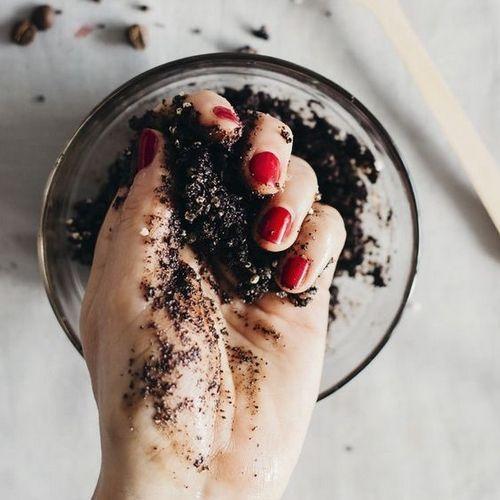 gommages aux huiles essentielles pour une peau toute douce exfoliants corporels recette