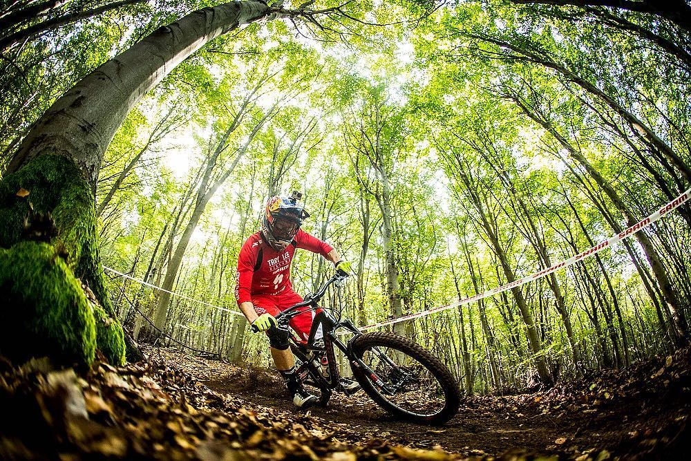 @curtiskeene racing the @world_enduro in Finale Ligure Italy. #BikeMagPOD by @svenmartinphoto.