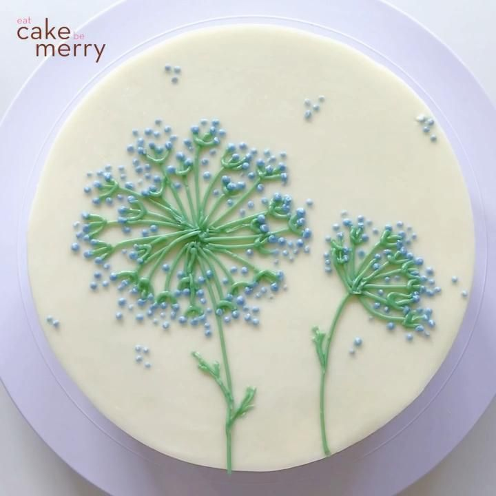 How to pipe a dill flower cake