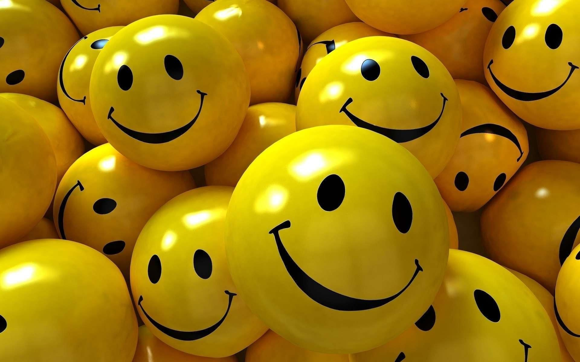 Smilies Wallpaper Desktop Happy Wallpaper Smile Images Whatsapp Dp Images