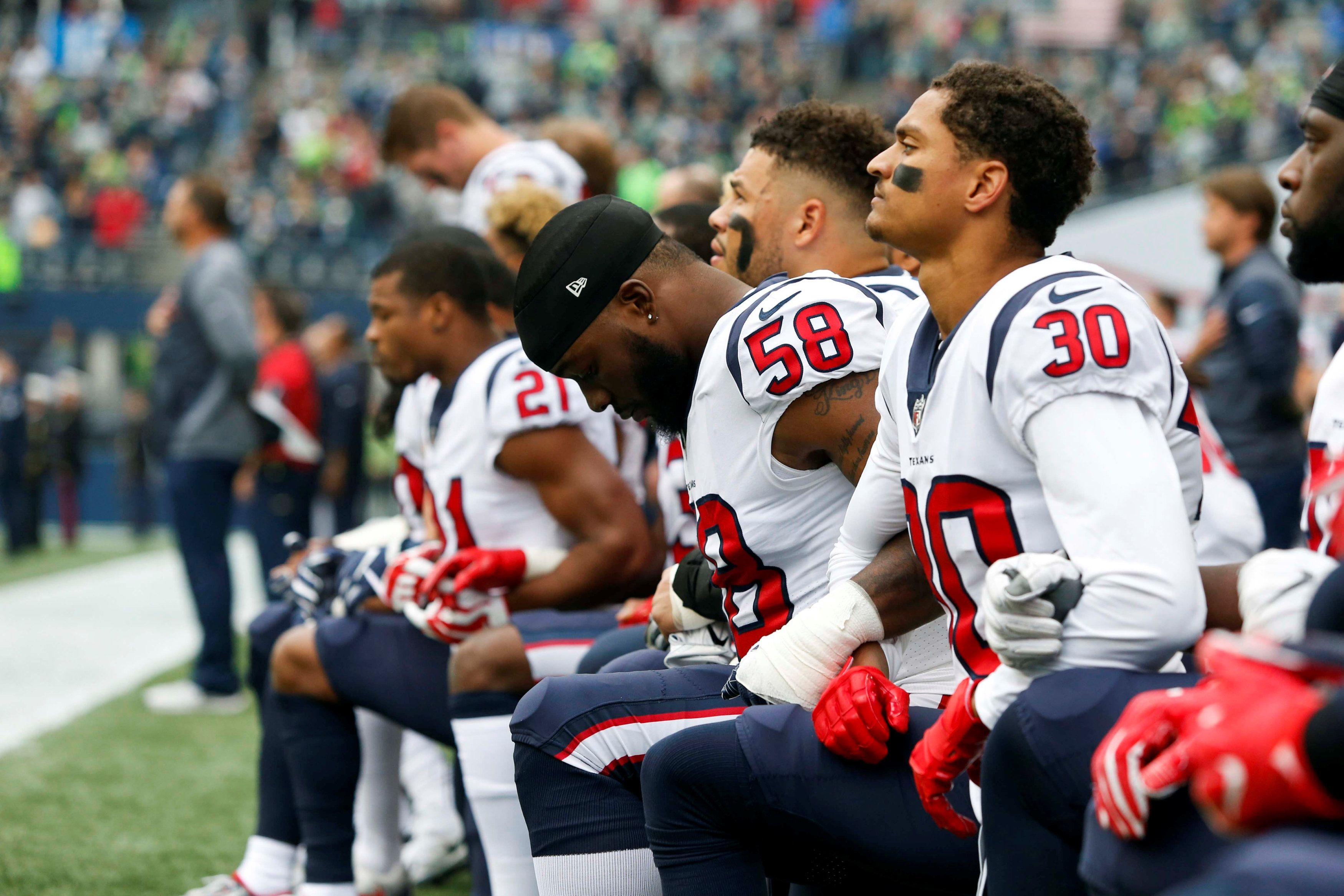 Most Of Nfl S Houston Texans Kneel During Anthem After Owner S Inmates Remark Nfl Players Texans Players Nfl