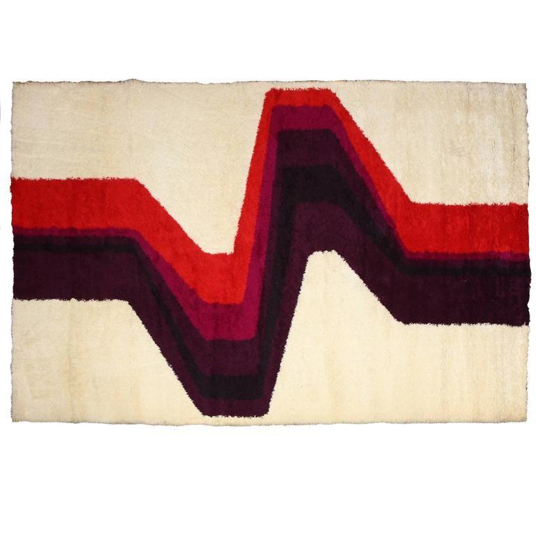 Fine vintage danish wool carpet/rug. Original from 60's. Manufactured & designed by Højer Eksport Wilton. Made in Denmark.