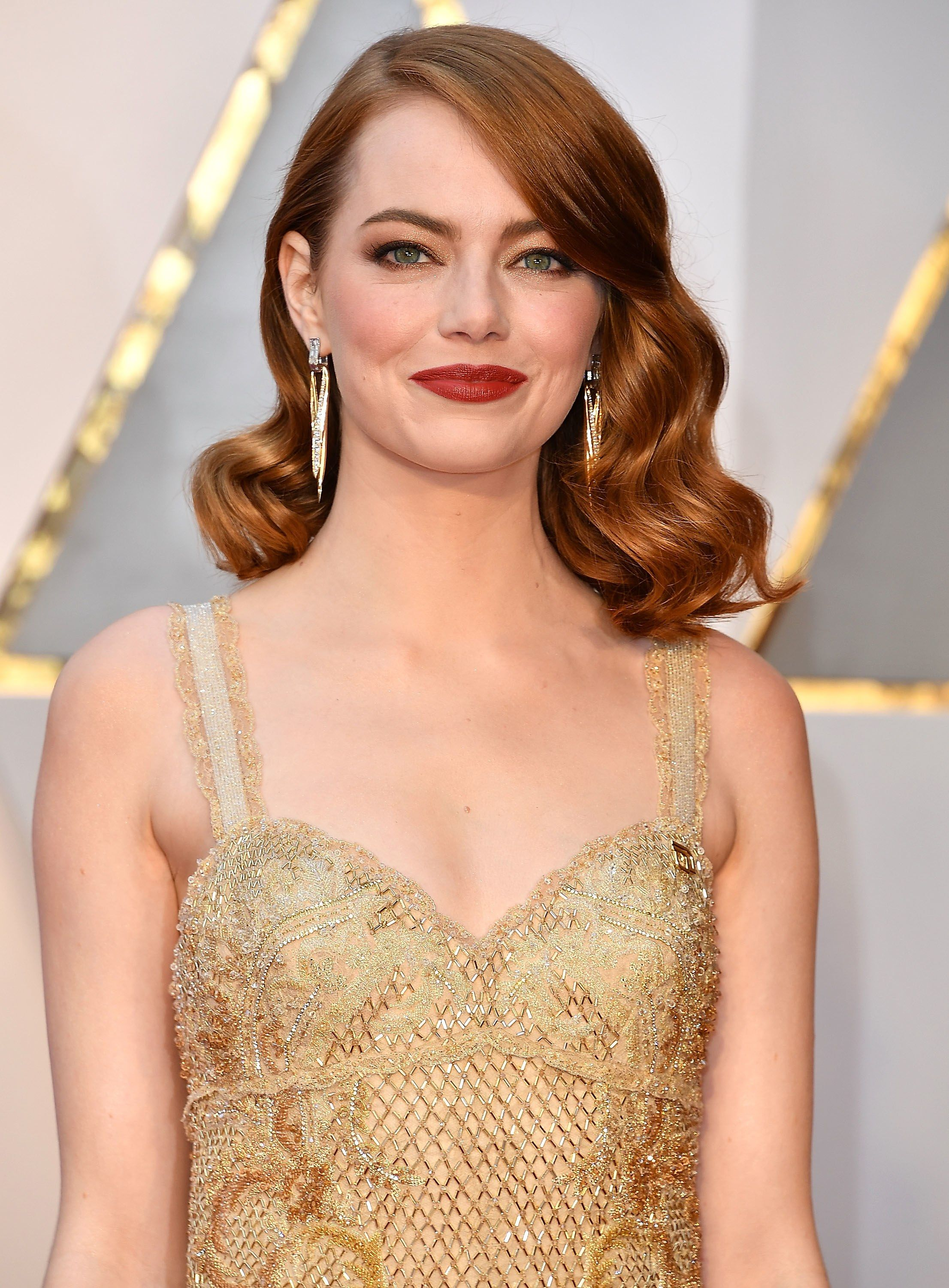 Emma Stone S New Blonde Hair Is Just One Of Many Stunning Looks In