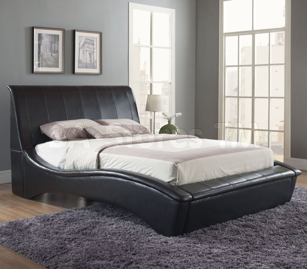 Angled Headboard Curvaceous Upholstered Platform Bed In Black