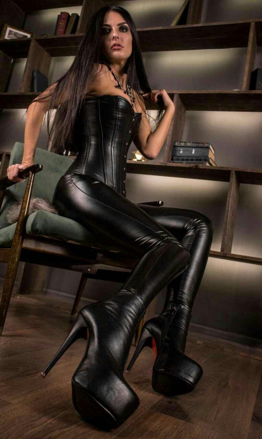transexuals-in-leather