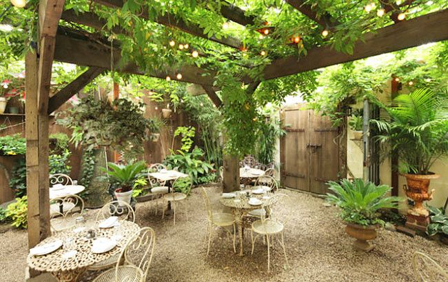 8 Nyc Restaurants With Secret Gardens For Some Quiet Time