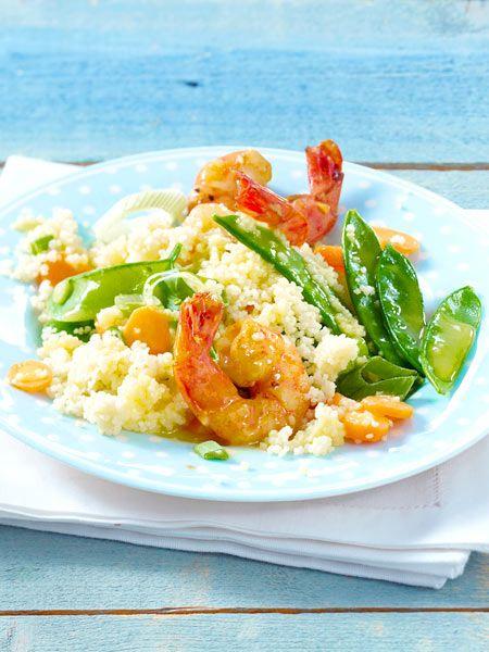 Frühlingshaftes Gemüse-Couscous mit Garnelen