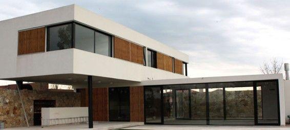 Casa DF, en Benavídez, Buenos Aires House styles