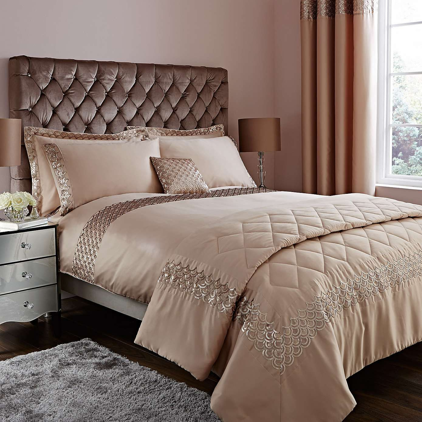 Charleston champagne duvet cover dunelm laurens board for Fashionista bedroom ideas