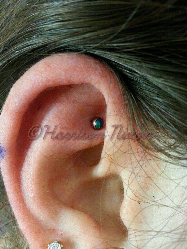 Faux Rook #piercing using #neometal 18ga flatback and 3mm