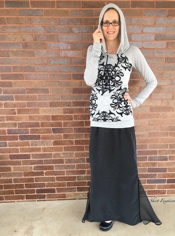 Lace overlay Lane Raglan sewn by Skirt Fixation