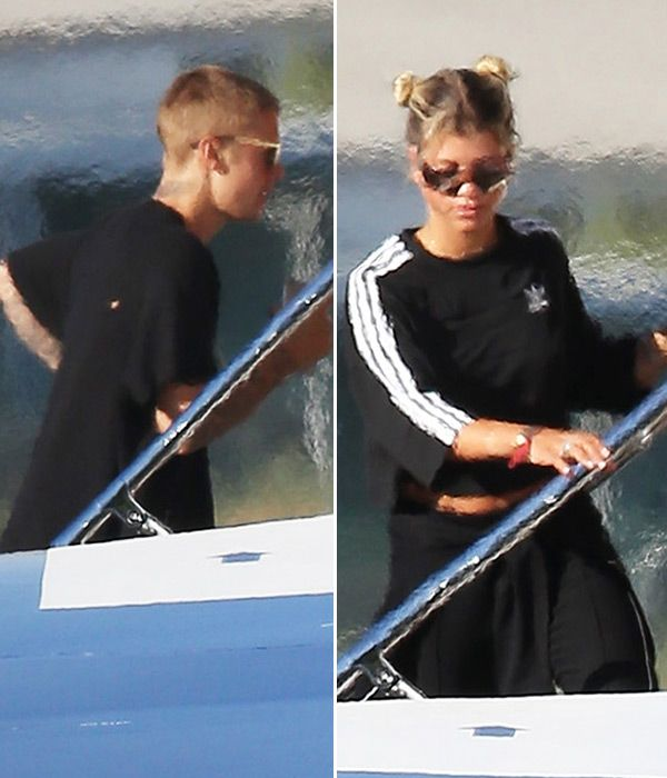 Justin Bieber & Sofia Richie Jet Off On Private Plane After Flaunting…