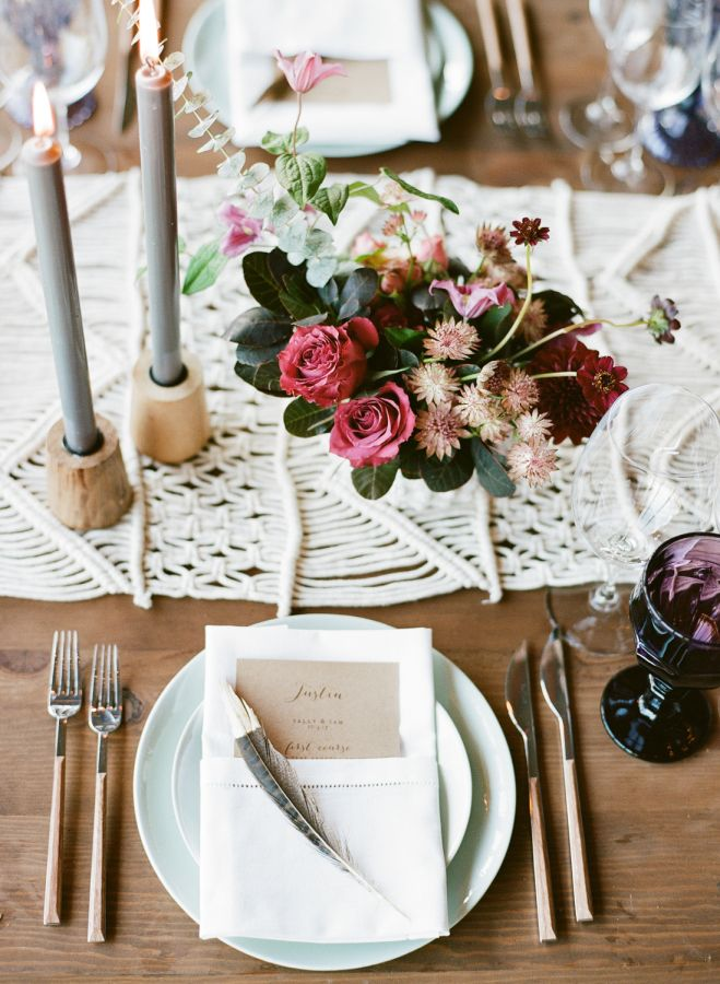 a bohemian wedding that made dreamcatchers feathers so chic bohemian wedding decorations on boho chic kitchen table decor id=55230