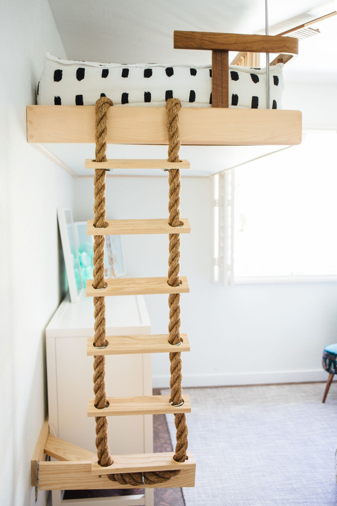 In the nursery with lunchpails lipstick rope ladder - Diy bunk beds for small rooms ...