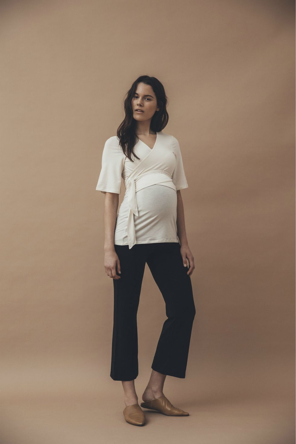 Elle's former employee Emma Elwin has a new design collaboration. Now she is launching a collection together with the Swedish mother brand Boob.  #emmaelwinxboob #boobdesign #sustainablefashion #elle #maternityfashion #maternitystyle #nursingwear