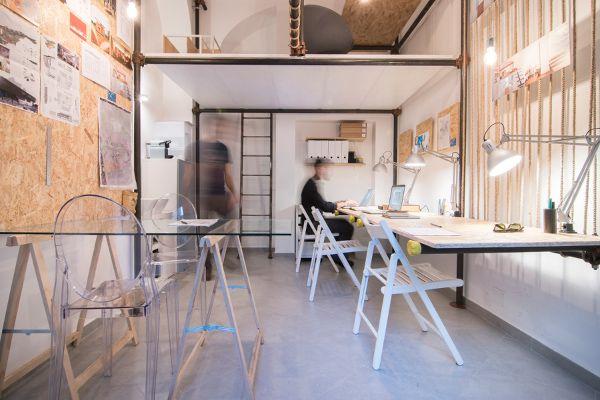 spazio r3 tubi innocenti per enfatizzare i volumi office