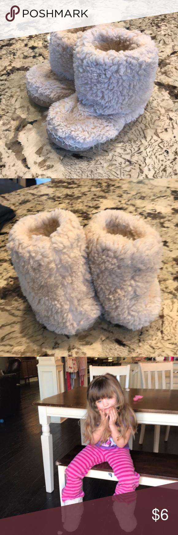 Pottery Barn Kids Fur Boot Slipper Size M Kids Fur Boots