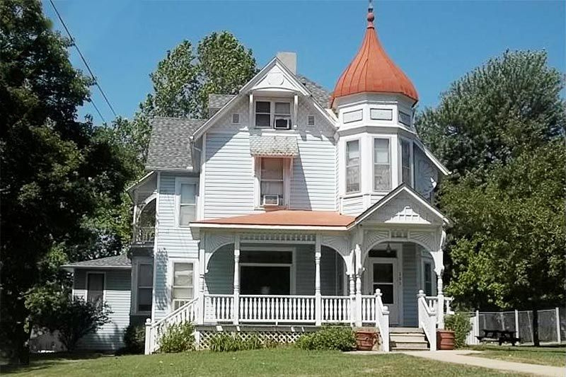 This 1890 8242 S 3 Story Victorian Home On Large Corner Lot Has Been Converted Into 4 Unit A Victorian Houses For Sale Victorian Homes Historic Homes For Sale