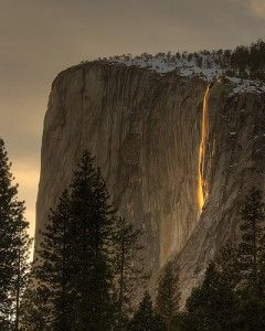Yosemite : chutes Horsetail, la cascade d'or