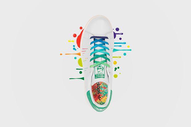 new arrival bd384 3a752 adidas Originals lança coleção de calçados em homenagem a Parada do Orgulho  LGBT